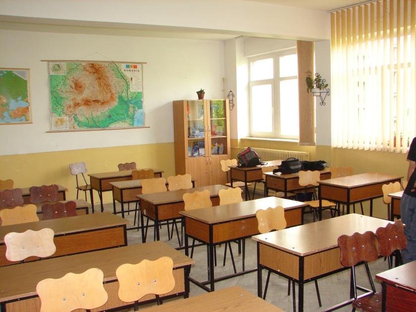Adevărata clasă din adevăratul liceu al Nadiei, fără Nadia sau adevărații ei colegi